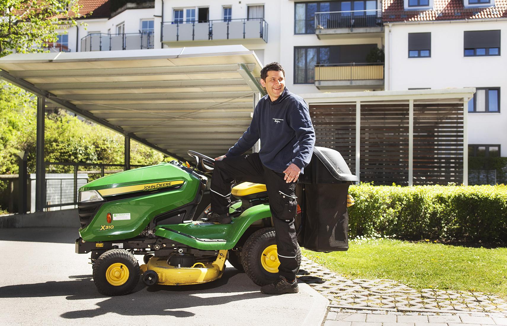 Hausmeister Gartenpflege Hausreinigung Winterdienst